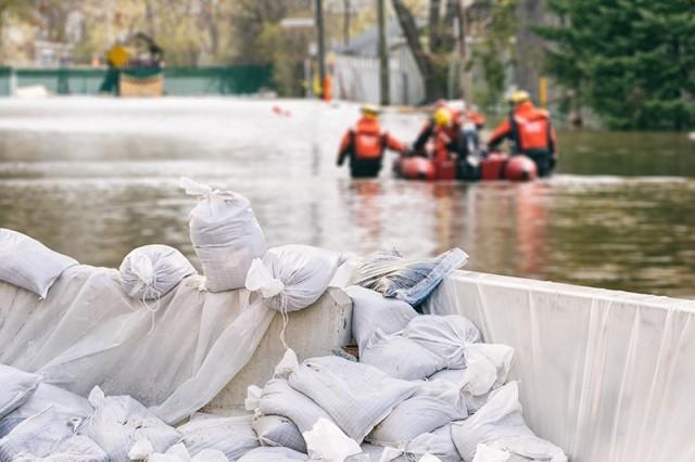 Ratusan Keluarga di Barru Makassar Terisolir Banjir