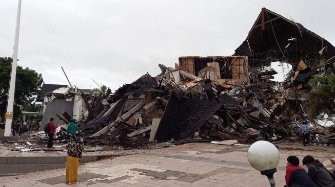 Hingga Petang, Total Korban Tewas Gempa di Sulbar Mencapai 34 Orang