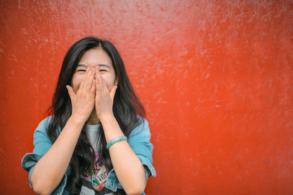 Berbuat Baik Tapi Tak Kunjung Bahagia? Yuk, Kenali <i>Good Girl Syndrome</i>