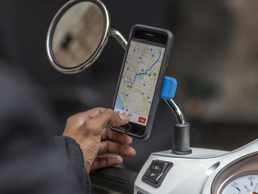 Taruh iPhone di <i>Phone Holder</i> Bisa Bikin Rusak? Simak Penjelasannya
