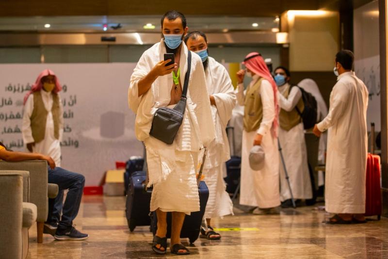 Arab Saudi izinkan jemaah Indonesia untuk umrah bersyarat mulai 10 Agustus 2021. Foto: AFP