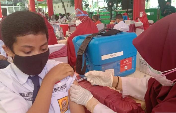 Ilustrasi vaksinasi bagi pelajar di Kota Makassar, Sulsel. ANTARA/Nur Suhra Wardyah